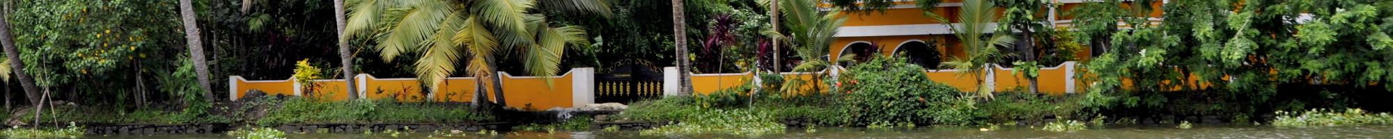 https://www.intakt-reisen.de/wp-content/themes/intakt-reisen-de/img/slideshow/Backwaters in Kerala