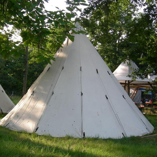 Tipi im Camp
