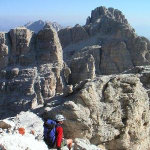 Wandern in den Dolomiten: Gipfel in der Brenta-Gruppe