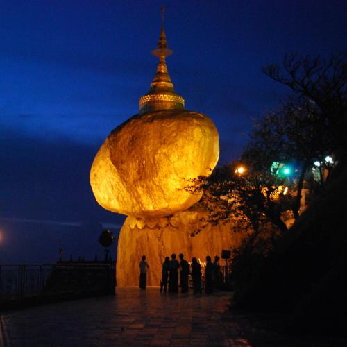 Der Goldene Felsen am Abend