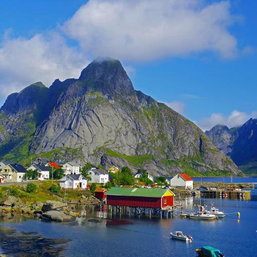 Norwegen - Hafen auf den Lofoten - Quelle: Reinhard Pantke