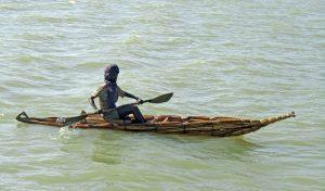 Äthiopien - Einheimischer im Schilfboot auf dem Tana-See